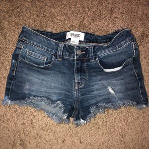 VS PINK SIZE 2 DENIM SHORTS